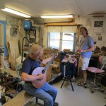 Mills tries out a 5-course bouzouki