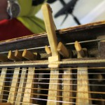 capo for kontrabas harpa drone string