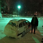 Niklas's snowy car (11:21p 5dec)