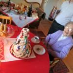 Grandma and the Norwegian cake (kransekake)